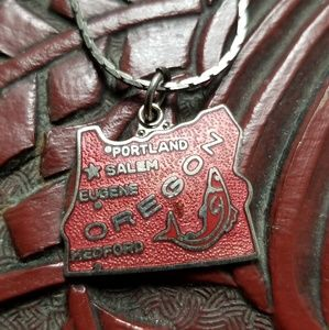 Jewelry - Vintage Oregon State Enameled Necklace